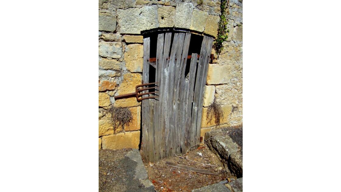 Une porte bien fermée !...
