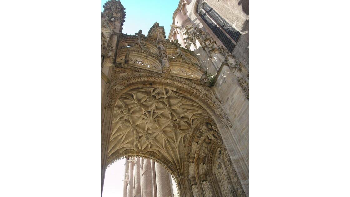 l'entrée de la cathedral