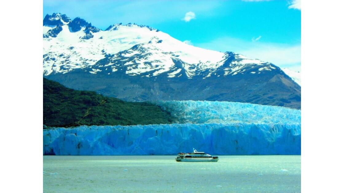 A l'abordage du glacier Upsala!!!!!