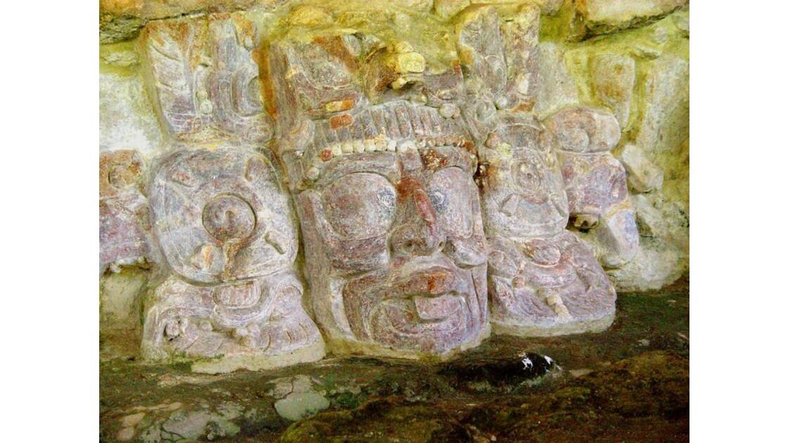 sculptures murales-suite-Edzna