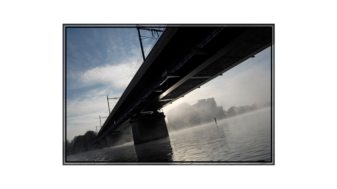 Pont de brume renversante