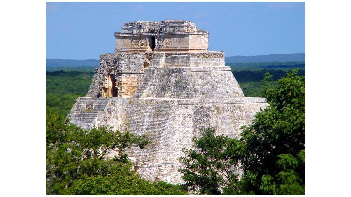 Dernier regard sur la Pyramide du Devin