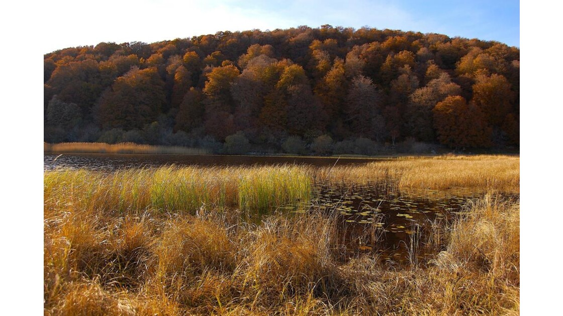 Couleurs d'automne sur lac des Salhens