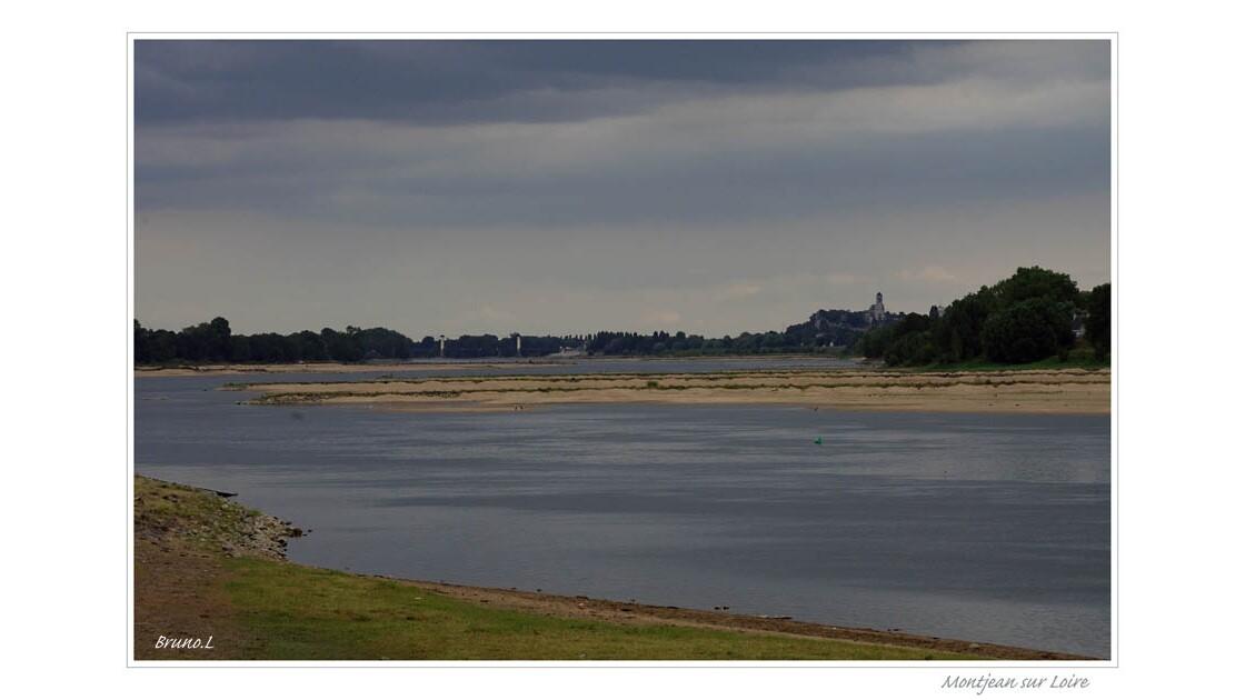 Vue d'Ingrades vers Montjean sur Loire