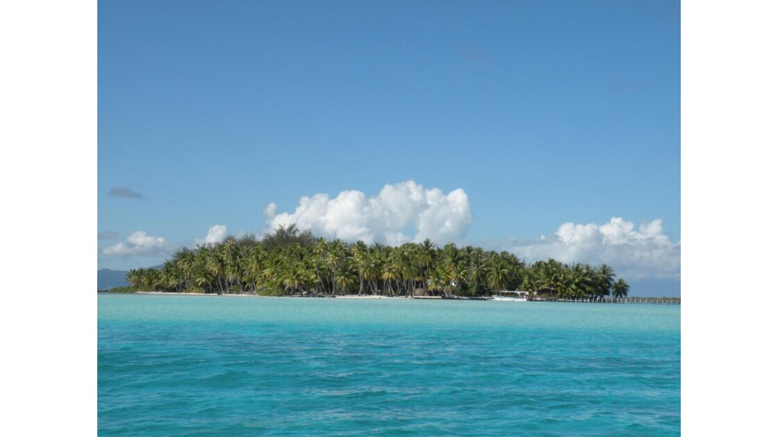 Motu dans le lagon de Bora Bora