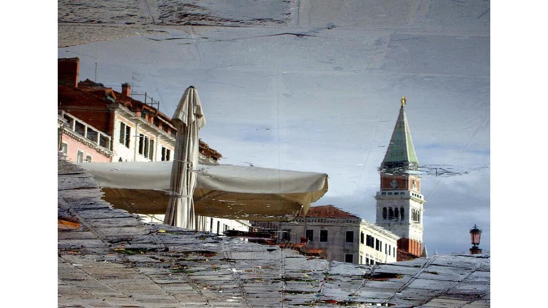 Venise : reflet campanile
