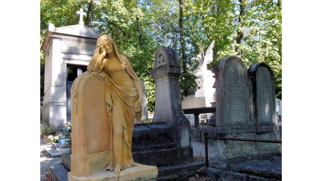 Stèles & statues