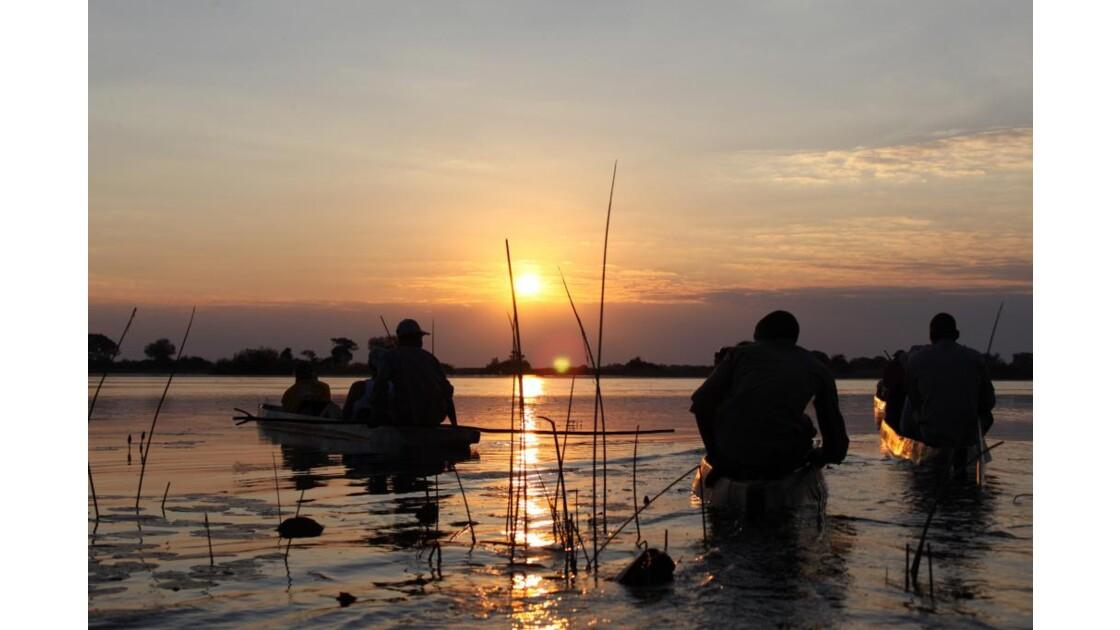 delta Okavango en mokoro