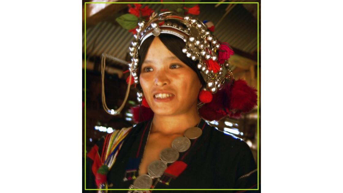 femme de la minorité Akhas