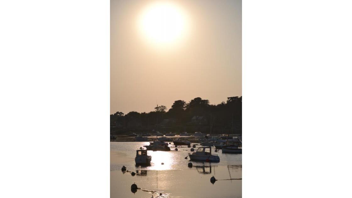 soleil levant et port de ploumanac´h