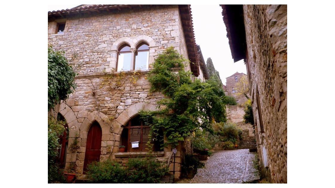 vieilles  rue et maisons