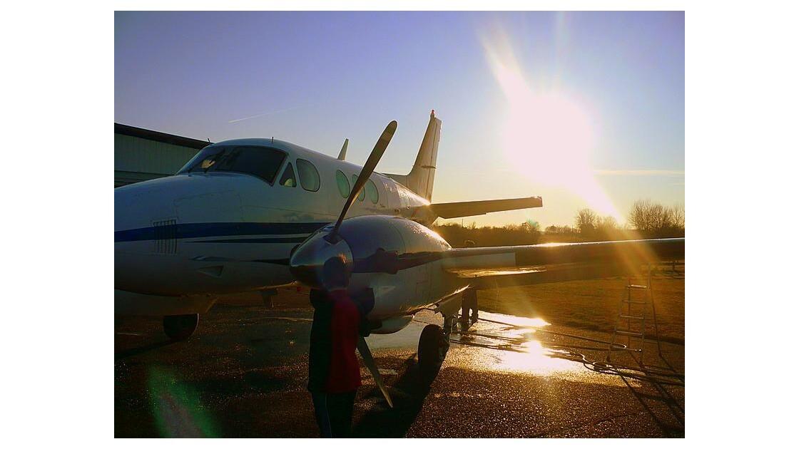 coucher de soleil sur l'aile