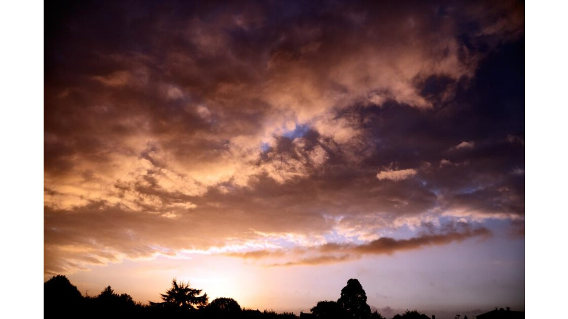 Ciel matinal rougeoyant 2