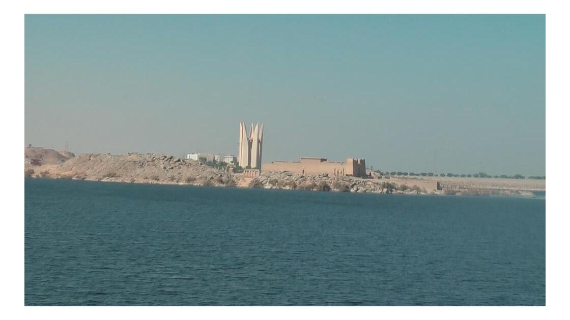 Kalabsha et monument du barrage.