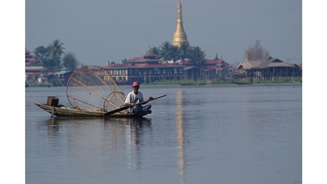 Myanmar - Lac Inle pêcheur.jpg