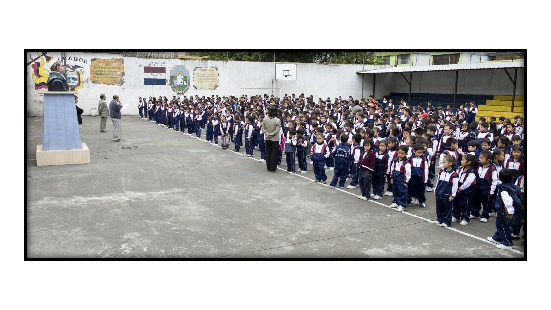 Baños, cérémonie du matin à l'école
