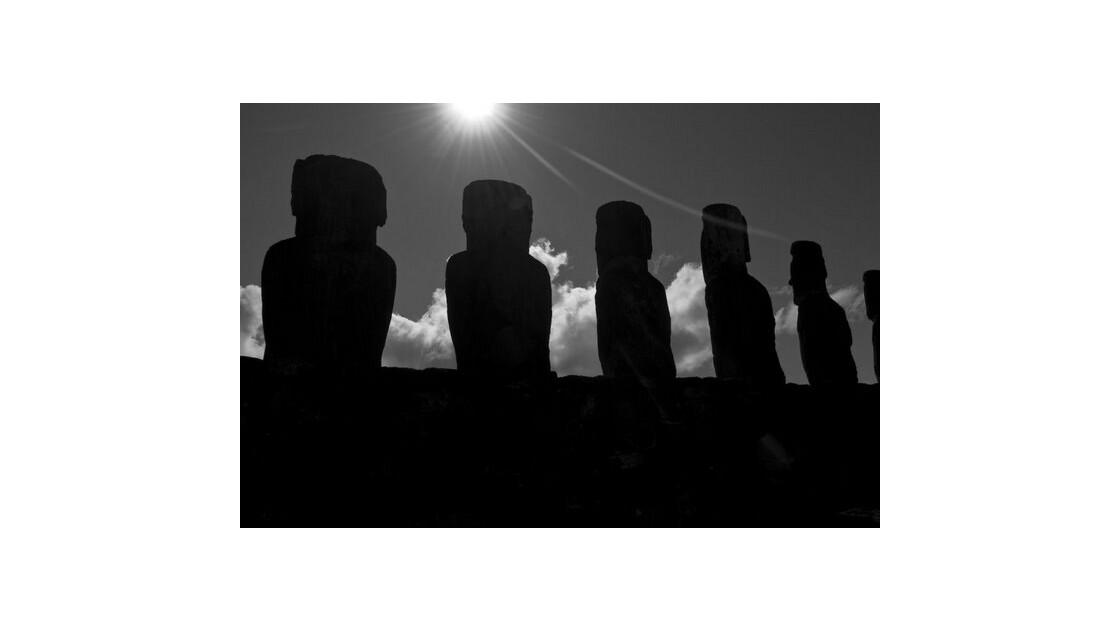 Ile de Pâques, Moai noir & blanc