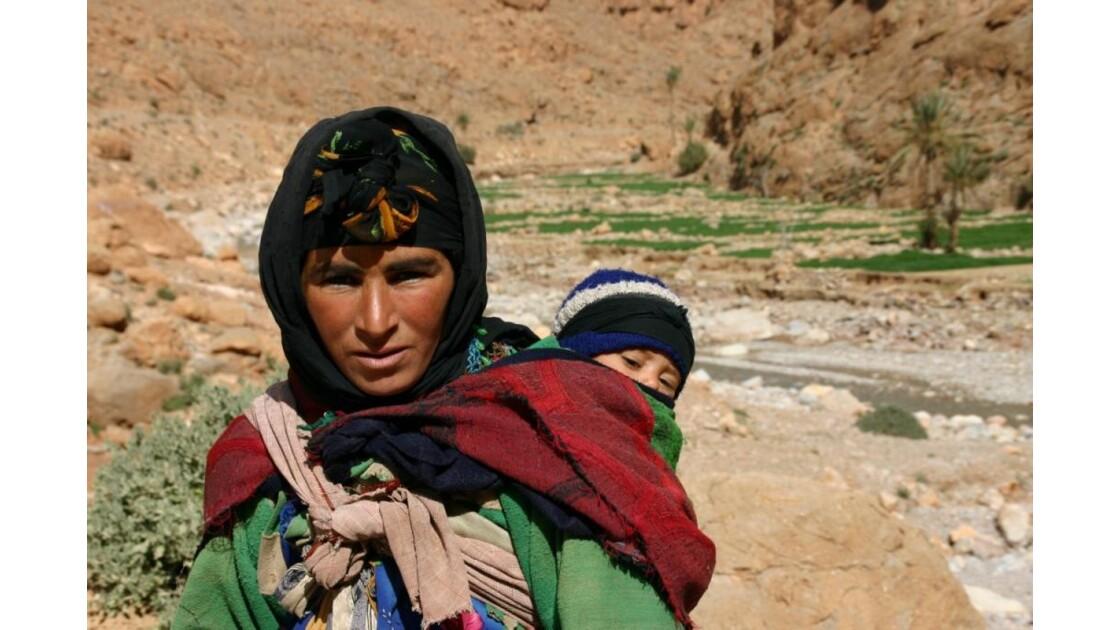 Maroc - Gorges du Todra - Femme berbère