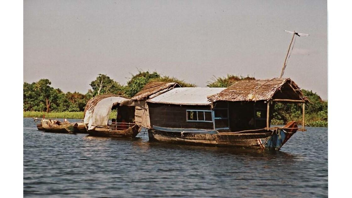 10-28-05 Tonlé Sap