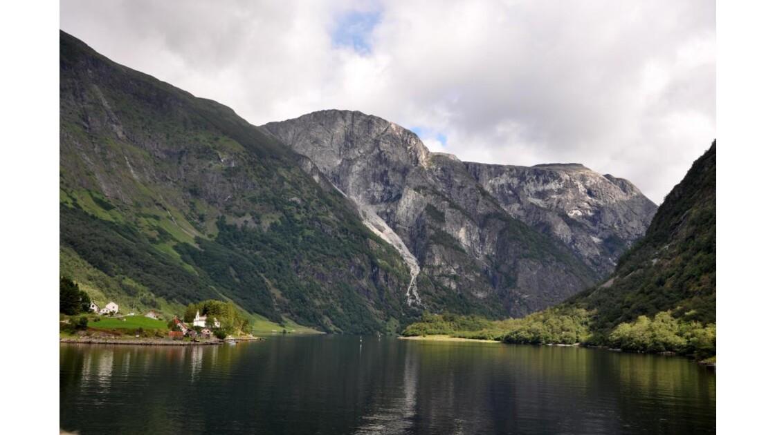 Le Naeroyfjord
