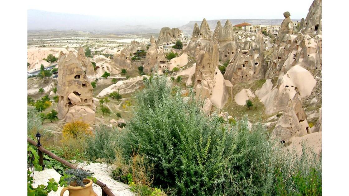 Habitations troglodytes vides d'Uçhisar