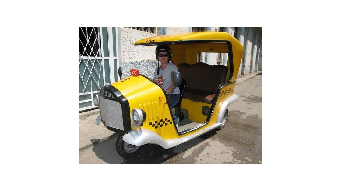 Cuba_d_Est_en_Ouest_coco taxi