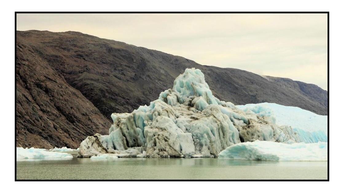 Glacier Qoroq.