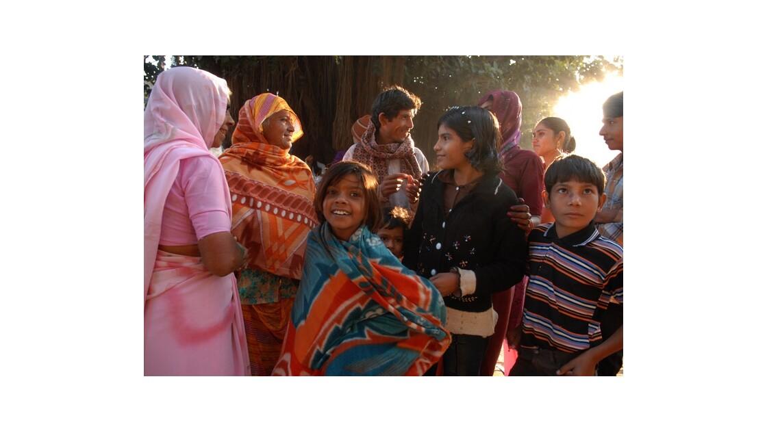 Une famille pendant la Puja