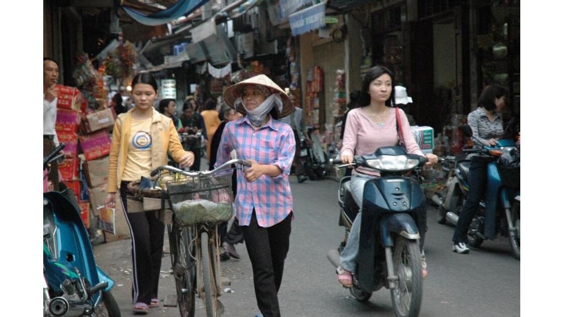 Dans les rues d'Hanoi