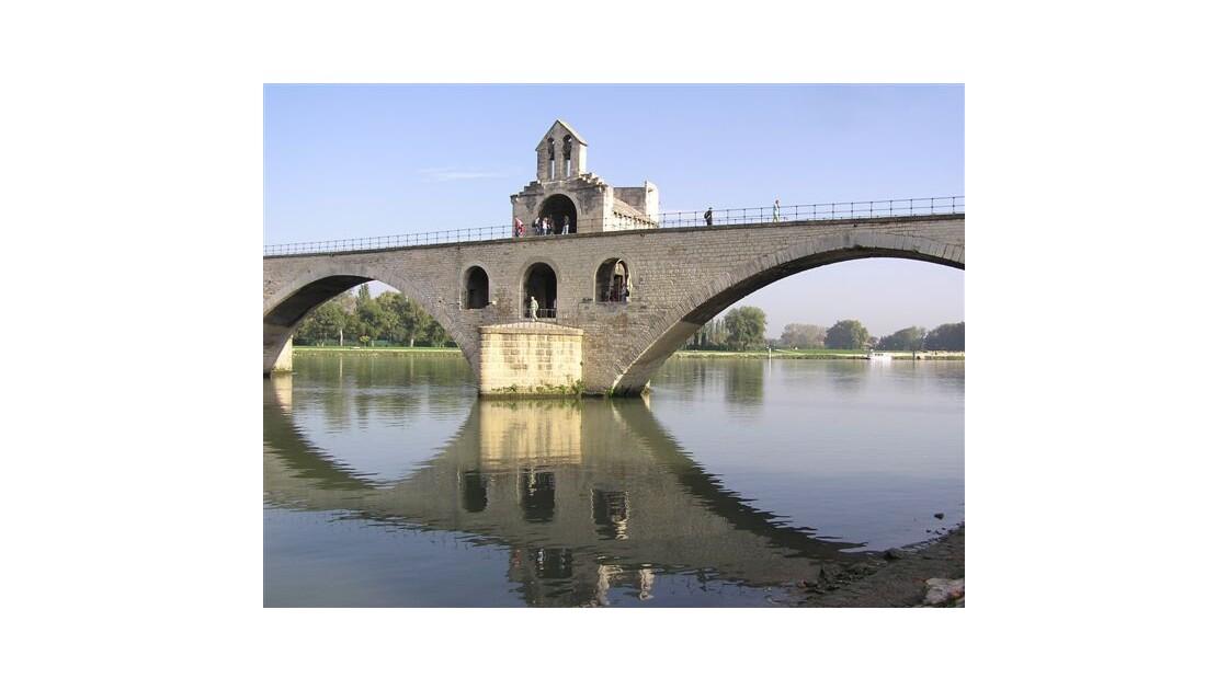 On y danse, on y danse Pont St Benezet