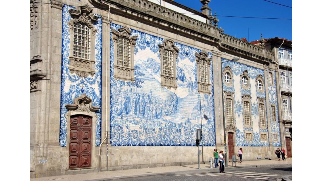 Dans Porto .