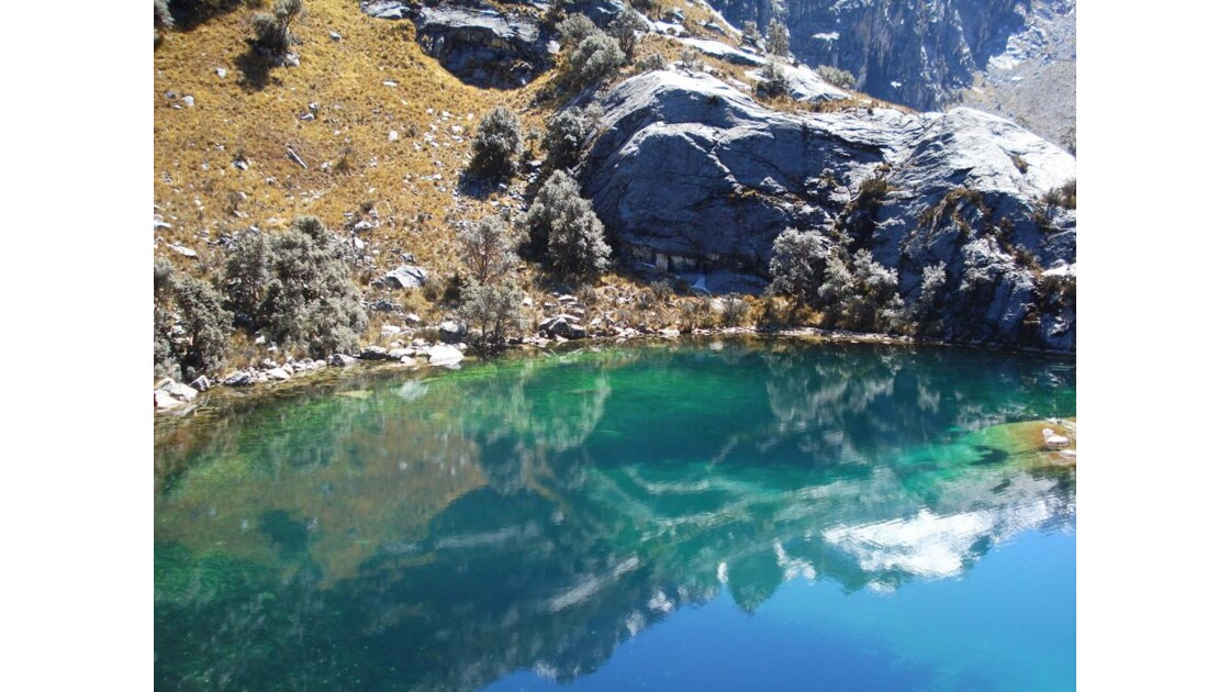 Laguna Churup, reflet, Pérou.jpg