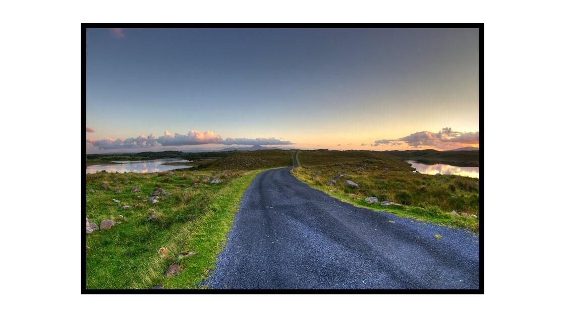 Route vers Furnace, Comté Mayo, Irlande
