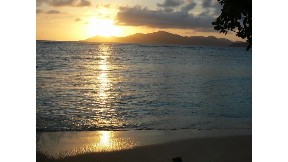 coucher de soleil à la digue
