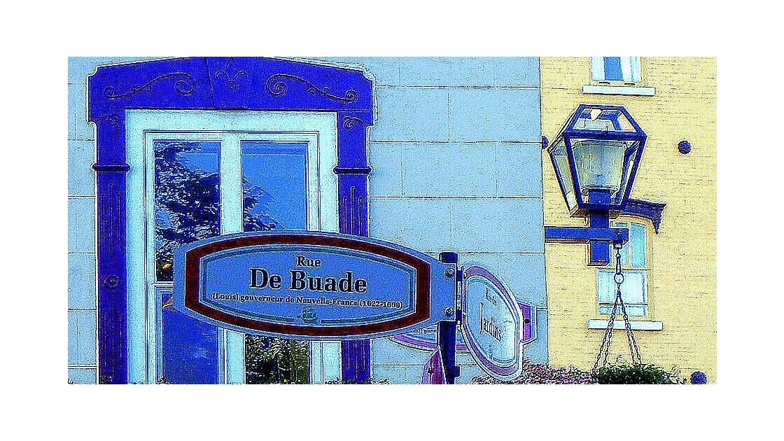 Vieux Québec-bleu-lucarne