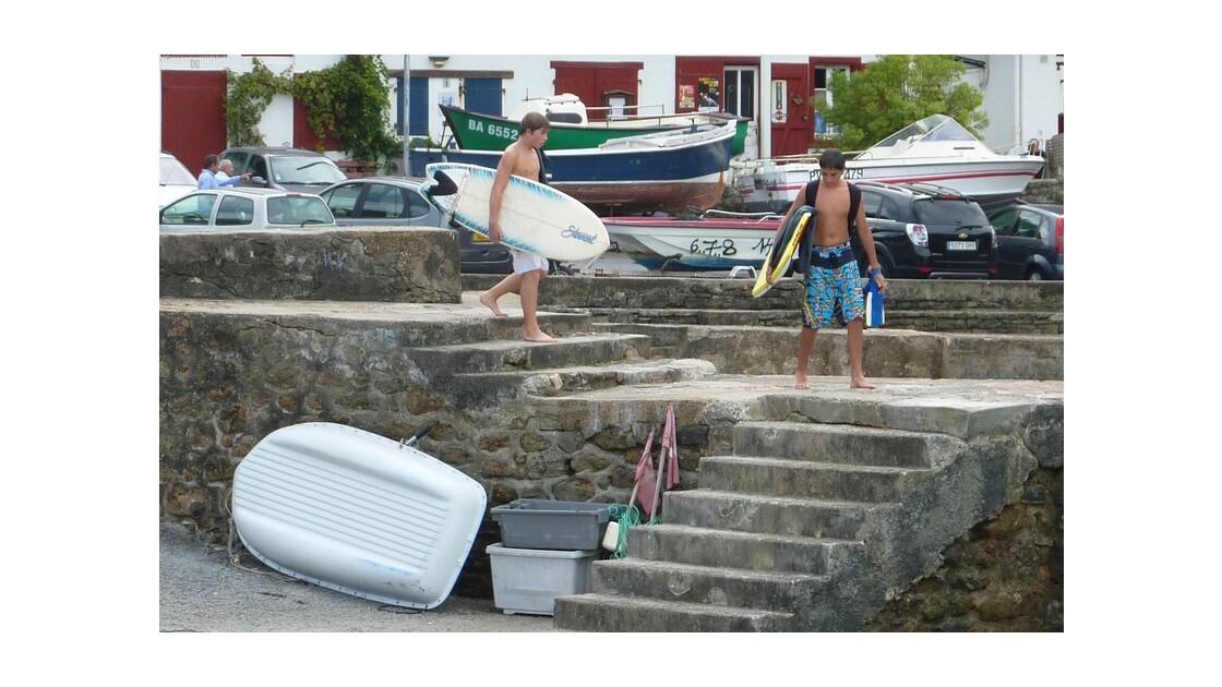 Bodyboarder et surfeur....