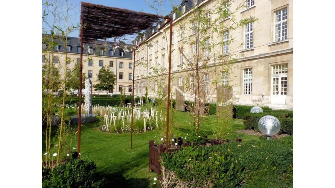 Jardins de l'Hôtel de Région