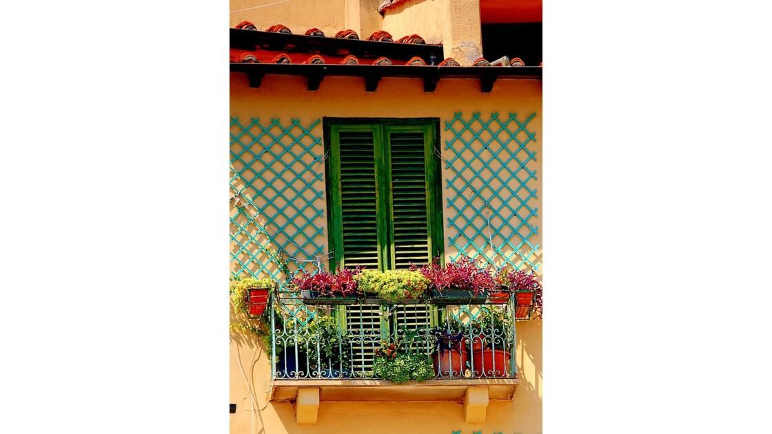 Toscane : balcon à Lucca