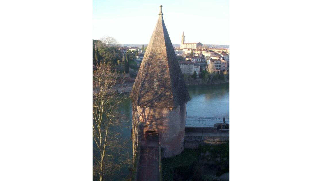 vue du jardin du palais sur le Tarn