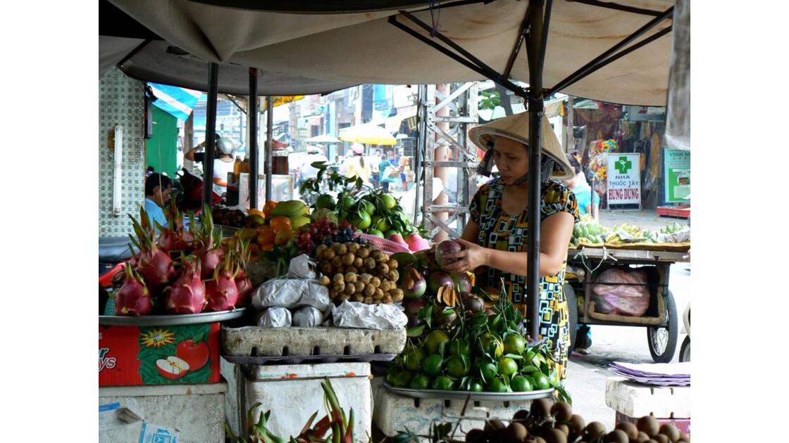 Vendeuse de fruits - Saigon - Vietnam