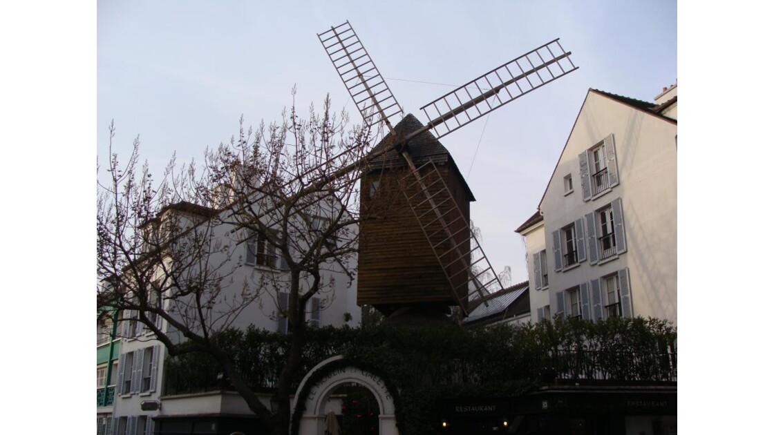 Le Moulin De La Galette.JPG