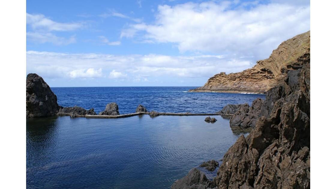 Piscine naturelle à Porto Moniz