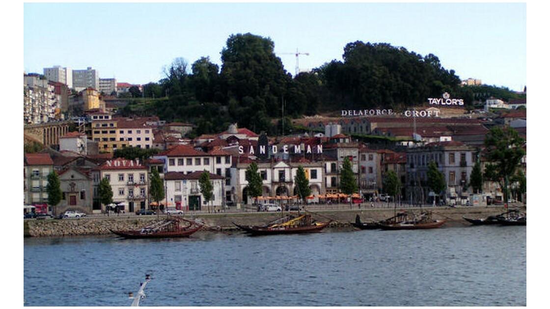 vila de gaia caves de porto