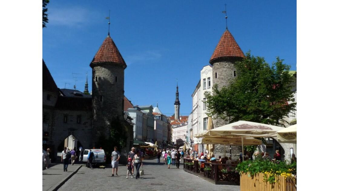 Tallinn La Porte Viru .JPG