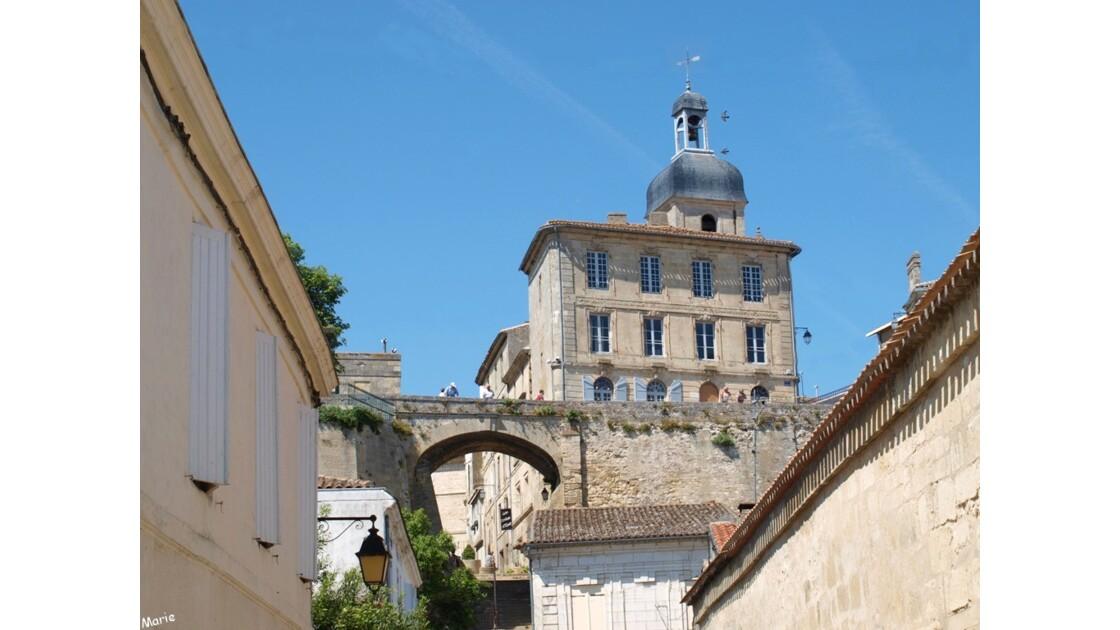 Hôtel Jurade et Porte de la Goutinière