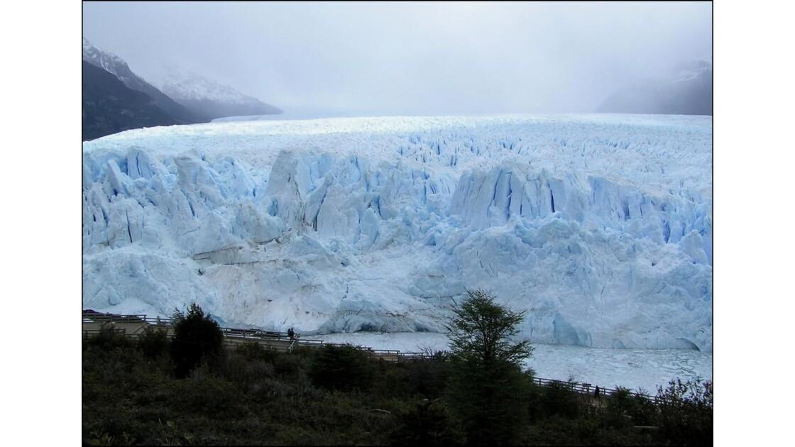 Passerelles pour approcher le glacier
