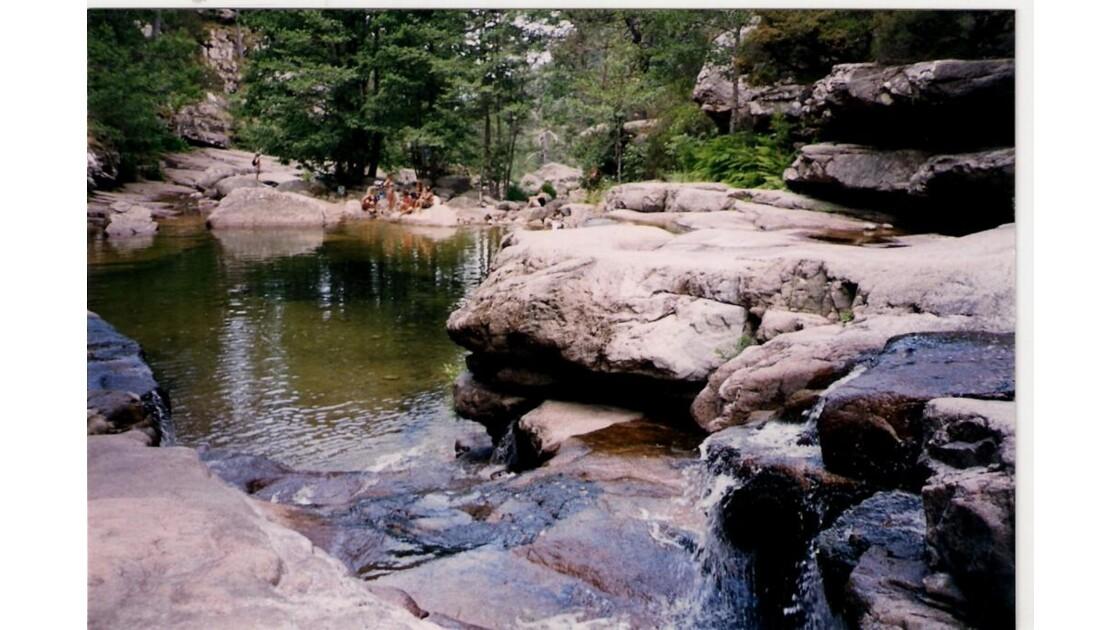Forêt d'AÏTONE - Piscines Naturelles .