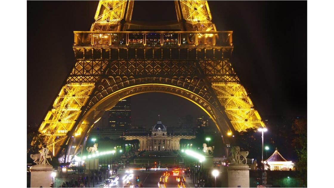 Tour-Eiffel, Champ de mars