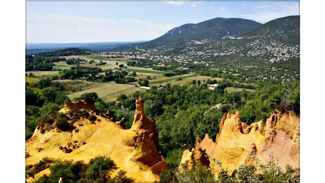 Vue sur le Colorado Provençal !!