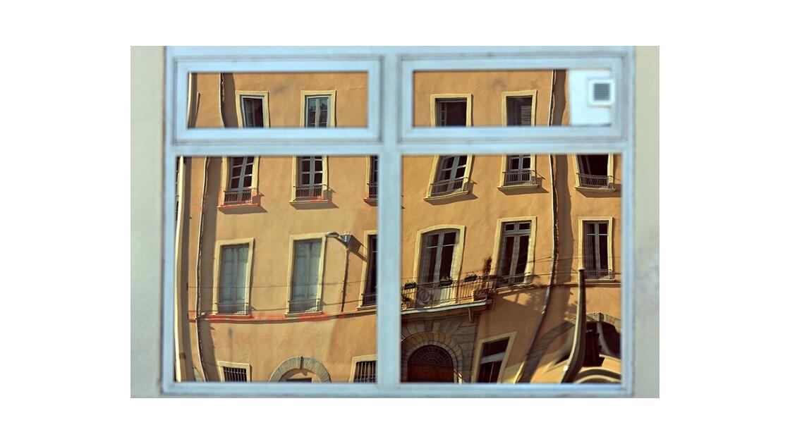 Une fenêtre du quai Pierre Scize